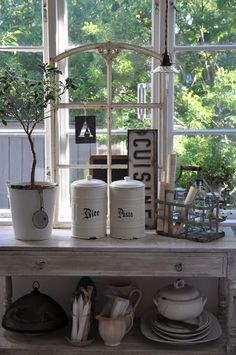 My Country Living - mycountryliving: (via Pin by Penny Sommers on. Cottage Living, Cottage Style, White Cottage, Country Living, Shabby Vintage, Vintage Decor, Vintage Lace, Home Goods Decor, Home Decor