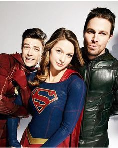 Grant Gustin, Melissa Benoist, and Stephen Amell. Love this so much. #TheFlash #Supergirl #Arrow
