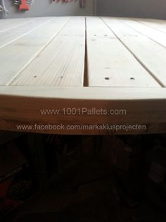 Tafel 5 600x800 Round Dinner Table made with pallets in pallet furniture  with Table Pallets