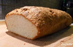 The tastiest, healthiest spa food bread you can bake at home is wheat berry bread and requires only a few special techniques and ingredients. Spa Food, Italy Food, Lchf, Keto, Easy Bread, Bread Recipes, Baked Goods, Tasty, Pane Casereccio