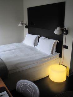 https://i.pinimg.com/236x/75/27/51/752751f30a7899d6c03221623dccf50f--swedish-design-wall-lamps.jpg