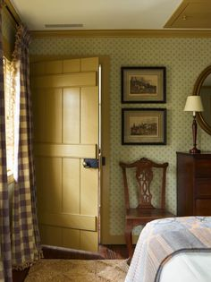 Style Cottage, Old Cottage, Country Cottage Bedroom, Cottage Doors Interior, English Cottage Bedrooms, Modern Cottage Decor, English Bedroom, Cottage Style Bedrooms, Country Living Uk