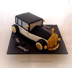 A Great Gatsby inspired car cake for a Gatsby themed joint birthday party. Everything is completely edible. Great fun to make something a little different every now and then. Car Cake Tutorial, Fondant Tutorial, Fondant Bow, Fondant Flowers, Fondant Cakes, Art Deco Cake, Easy Minecraft Cake, Joint Birthday Parties, Fathers Day Cake