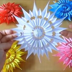 Easy DIY Happy Mother's Day card with beautiful big pop up flower: tutorial, video & free printable templates for handmade version & Cricut print and cut! - A Piece of Rainbow Paper Flowers Craft, Paper Crafts Origami, Easy Paper Crafts, Flower Crafts, Origami Ideas, Fun Origami, Sticky Note Origami, Snowflake Origami, Snowflake Craft