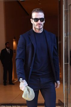 There to support: David Beckham was also there to support his wife, showing up on time for her bi-annual fashion show Gentleman Mode, Gentleman Style, Cabelo David Beckham, David Beckham Style, David Beckham Suit, Mode Man, Casual Outfits, Men Casual, Business Casual Men
