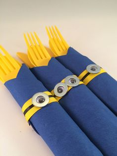 Minion Party Cutlery - Despicable Me inspired Disposable Party Silverware, Minion party flatware by MadHatterPartyBox on Etsy https://www.etsy.com/listing/215632036/minion-party-cutlery-despicable-me