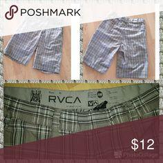 Mens RVC Shorts Front Pockets and Back Pockets RVCA Shorts Flat Front