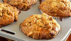 Wake up to the warm smell of Banana-Pecan Morning Muffins. Banana Oat Muffins, Banana Oats, Veggie Muffins, Cinnamon Muffins, Banana Breakfast, Breakfast Muffins, Healthy Muffins, Banana Bread, Muffin Recipes