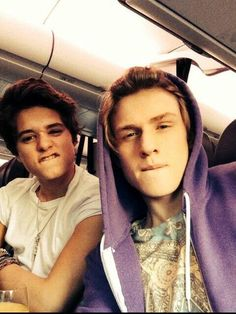 Everyone ask me where i came from and i reply *Tradley Is maa parents thoo ☺️♥️