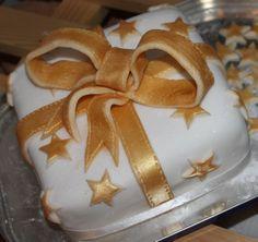 Christmas Parcel cake