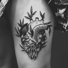 bott anical h eart clo:s:e ~~ flash ~~  #darkartists #blacktattooart…