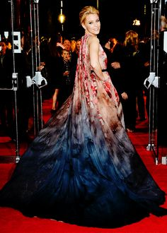 """ Elie Saab on The Red Carpet - Elizabeth Banks wearing Fall 2014 Haute Couture at The Hunger Games: Mockingjay Pt. 1 premiere in Leicester Square """
