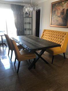 TABLE SELENA - BOIS DE GRANGE - STOUT - 72'' X 40'' - 3'' ÉPAIS - CÔTÉS ONDULÉS - BANQUETTE MERIDIAN CU018 (JAUNE) ET CHAISES SINATR CU018 (JAUNE)  #surmesure #lusine #table #chaise #sinatra #jaune #stout #boisdegrange #selena #meridian #banquette #cu018 #pattex #pattenoirmat