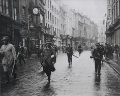 IRA patrol in Dublin, Ireland at some point between 1919-1921 via reddit
