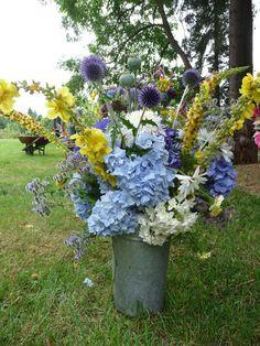Late summer wedding flower arrangement