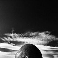 Il mio amico è pensieroso ... #friends #bw #blackandwhite #black #cool #friendship #swag #sky #igers #moment #photo #capture #beachlife #love #life #summer #clouds #portrait
