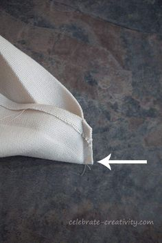 Mitering Fabric How to Get Perfectly Pointy Inside Corners - Celebrate Creativity Sewing Lessons, Sewing Class, Sewing Hacks, Sewing Tutorials, Sewing Tips, Quilting Projects, Sewing Projects, Sewing Mitered Corners, Quilt Patterns
