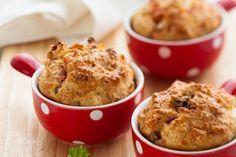 Aprenda aqui como fazer um delicioso muffin salgado de tomate seco e mussarela.