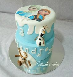 Estrade's cakes: tarta de fondant de Frozen para un cumpleaños en Jerez de la Frontera.
