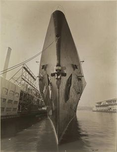 French Line NORMANDIE at New York Ss Normandie, Titanic History, Old Tractors, Army & Navy, Navy Ships, New Trucks, Submarines, Water Crafts, Sailing