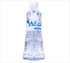 横浜ランドマークタワー/タワーウォーター Water Bottle Design, Pet Bottle, Web Design, Packaging, Drinks, Glass, Bottles, Drinking, Design Web