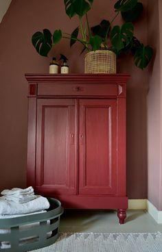 Interior Design Styles, Room Decor, Metallic Painted Furniture, Furniture, Interior, Diy Furniture, Home Furniture, Home Deco, Home Decor
