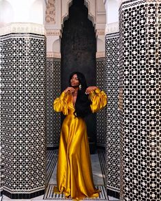 The 40 Best Places To Take Pictures In Marrakech Sidewalker Daily Black Girl Fashion Daily Marrakech PICTURES places Sidewalker Black Women Fashion, Look Fashion, Fashion Beauty, Womens Fashion, Fit Black Women, African Women, African Fashion, African Style, Ankara Fashion