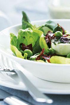 Speltsalat med kål, æbler, valnødder og granatæble | Mad & Bolig