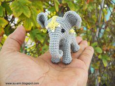 Zirkus-Elefant Miniatur gehäkelt Elefant mit von SuAmi auf Etsy