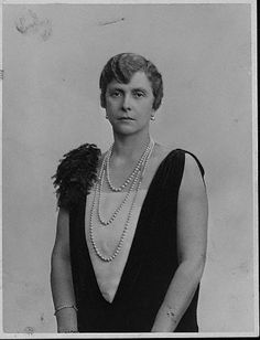 Princess Alice of Greece - mother of Prince Philip, the Duke of Edinburgh, and formerly Alice of Battenberg. (Photo by Evening Standard/Getty Images) Prince Philip Mother, Prince Andrew, Prince Charles, Alice Von Battenberg, Princess Alice Of Battenberg, Adele, Prinz Phillip, The Crown Season 2, Prince Philippe