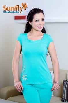 Thanh lịch, trẻ trung đệp hơn trong mắt những người thân yêu với Sunfly Lady Bộ cộc tay, quần ngố MH623 Giá: 328,000 VNĐ Màu: hồng dâu, xanh cẩm, tím than. Size: S,M, L, XL, XXL Chi tiết: http://sunfly.com.vn/