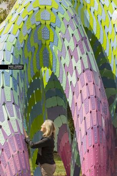 MARC FORNES / THEVERYMANY has created Vaulted Willow, a colorful digitally fabricated public art installation made up of over 721 aluminum pieces. Psychedelic Art, Architectural Sculpture, Digital Fabrication, Artistic Installation, Australian Art, Vaulting, Public Art, Art And Architecture, Parametric Architecture
