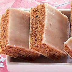 Lebkuchenbissen Source by kleelein Baking Recipes, Cookie Recipes, German Baking, Gateaux Cake, Savoury Baking, Cooking Chef, Polish Recipes, Baking Cupcakes, Food Menu