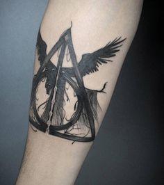 Un autre style de tatouage pour le style des reliques de la mort