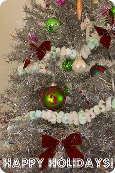 Upcycled packing peanuts xmas tree garland Party Finger Foods, Crafty Craft, Xmas Tree, Peanuts, Winter Wonderland, Happy Holidays, Garland, Christmas Wreaths, Upcycle