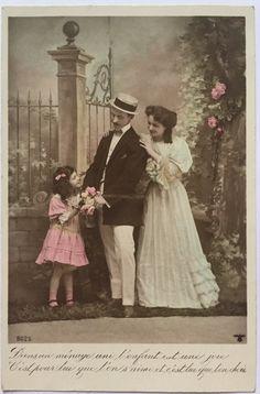 de Franse familie van 1900 in het park * antieke colorized briefkaart