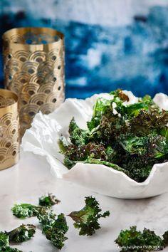 Kale chips. Recipe: Mari Bergman, Photo & Styling: Sanna Livijn Wexell.
