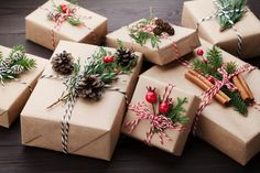 Creative Christmas Wrapping & Packaging Design Christmas Wrapping And Packaging . - Creative Christmas Wrapping & Packaging Design Christmas Wrapping And Packaging Idea Informations Ab - Homemade Christmas, Christmas Time, Easy Christmas Crafts, Simple Christmas, Elegant Christmas, Cozy Christmas, Rustic Christmas, Beautiful Christmas, Christmas Shopping