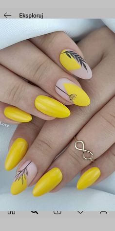 48 Hot Short Acrylic Almond Nails Design You Must Try Nageldesign Short Almond Nails, Almond Shape Nails, Almond Acrylic Nails, Summer Acrylic Nails, Nails Shape, Almond Nail Art, Spring Nails, Colorful Nail Designs, Acrylic Nail Designs