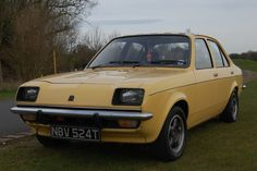 vauxhall chevette 1979 - just like my very first car, colour was as very apt rust. Classic Cars British, Old Classic Cars, 70s Cars, Retro Cars, Vauxhall Motors, Classic Motors, Commercial Vehicle, Vintage Trucks, Transportation