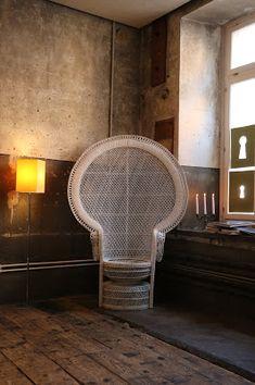 LA YAPA: Voyerismo a la Voirie-Land Art Biel-Bienne 2018 Er... Wicker, Chair, Furniture, Home Decor, Artist's Book, Chairs, Artists, Decoration Home, Home Furnishings