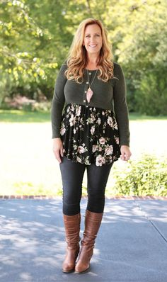 Shades of Envy Floral Babydoll Tunic – Lennon & Lace Curvy Girl Fashion, Black Women Fashion, Plus Size Fashion, Womens Fashion, Floral Leggings Outfit, Dresses With Leggings, Apple Shape Fashion, Business Casual Outfits For Women, Plaid Tunic