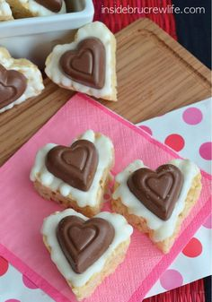 White Chocolate Krispies Hearts - Why choose between chocolate and Rice Krispies if you can have both? You and your kids can make these yummy treats to bring in for their Valentine's Day school party.