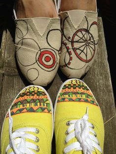 Add flair to your canvas shoes or toms by using stained sharpies for this easy DIY/craft project! It's a simple way to embellish your shoes. Get creative!