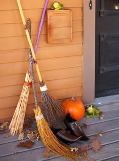 Scary Outdoor Halloween Decorations And Silhouettes_06
