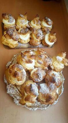 Képviselőfánk, szép nagyok és üregesek, rengeteg töltelék fér beléjük! - Egyszerű Gyors Receptek Hungarian Cuisine, Hungarian Recipes, Hungary Food, Cookie Recipes, Dessert Recipes, Homemade Candies, Sweet And Salty, Winter Food, No Bake Cake