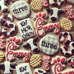 Pintgrams - Just another WordPress site Cow Cookies, No Bake Sugar Cookies, Royal Icing Cookies, Cupcake Cookies, Cupcakes, One Smart Cookie, Charlotte, Birthday Cookies, Cookie Designs