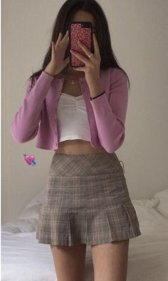 Miniskirt and pink cardigan Minirock und rosa Strickjacke Indie Outfits, Girly Outfits, Cute Casual Outfits, Summer Outfits, Fashion Outfits, Mean Girls Outfits, Clueless Outfits, Fashion Ideas, Mini Skirt Outfits