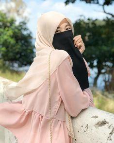 Hijab Niqab, Hijab Chic, Mode Hijab, Niqab Fashion, Fashion Art, Muslim Girls Photos, Hijab Style Tutorial, Muslim Women Fashion, Casual Hijab Outfit