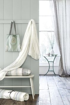 Hol dir den Sommer nach Hause.  Fotocredits: VIALLA NOVA Nova, Hanging Chair, Doors, Blanket, Instagram Posts, Furniture, Villa, Fabrics, Home Decor